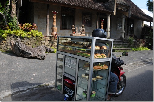 Bakery on scooterized wheels, Bali