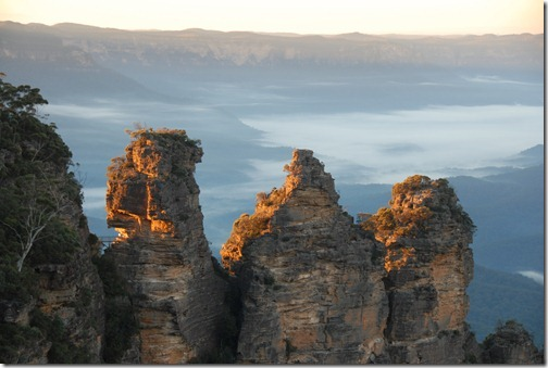 Sunrise at the Three Sisters in the Blue Mountains, Katoomba, Australia