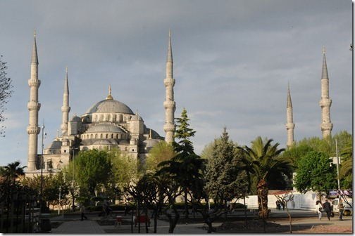 Sultan Ahmed (Blue) Mosque (Sultanahmet Camii) in Istanbul, Turkey