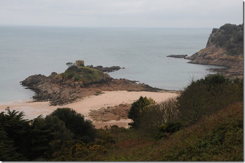 L'Île au Guerdain (Janvrin's Tomb) at low tide, which exposes the island. In Saint Brélade parish, Jersey, Channel Islands  (Jèrri, Îles d'la Manche)